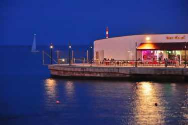 Bar in der Azoren-Hauptstadt Ponta Delgada, Sao Miguel, Azoren, Portugal