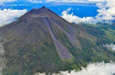 Der 2.351 m hohe Vulkan Ponta do Pico, Pico, Azoren, Portugal