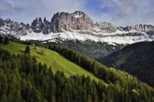 Alm vor Rosengartenmassiv, Tiers, Südtirol, Italien