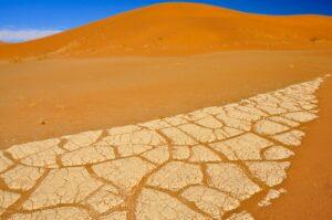 Kunstwerke der Trockenheit, Sossusvlei, Namib-Naukluft-Nationalpark, Namibia