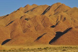 Bizarre Bergformation bei Sesriem, Namibia