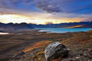 Blick vom Mount John auf den Lake Tekapo, Southern Alps
