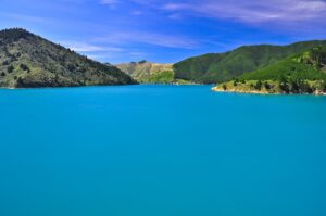 Fjordlandschaft in den Marlborough Sounds, Südinsel, Neuseeland