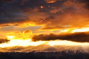 Sonnenuntergang über schneebedeckter Bergkette, Southern Alps, Neuseeland
