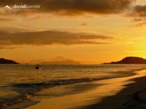 Seychellen Wallpaper 3 | Strand von Grand Anse, Praslin | 1024x768 | Hintergrundbild, Desktopbild, Bildschirmhintergrund, ipad