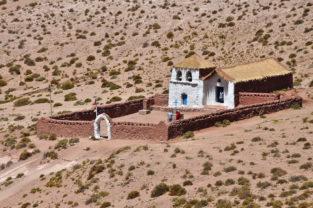 Adobe-Kirche in Machuca, Región Atacama, Chile
