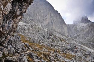 Bergsteiger im Rosengartengebiet, Südtirol, Dolomiten, Italien