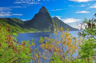 Die Pitons, Wahrzeichen der Kleinen Antillen, Saint Lucia, Karibik