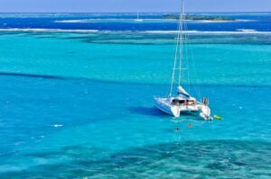 Segeln am Horseshoe Reef, Tobago Cays, Saint Vincent & Grenadinen, Karibik