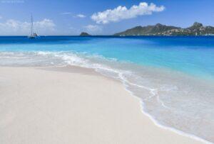 Strand auf Palm Island, St. Vincent & Grenadinen, Karibik