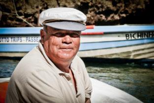 Fischer an der Algarve-Küste, Portugal