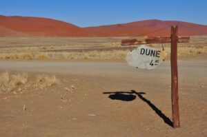 Dune 45 im Sossusvlei, Namib-Naukluft-Nationalpark, Namibia