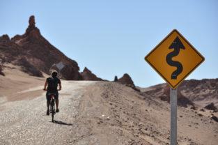 Radeln im Valle de la Luna, Atacama-Wüste, Chile