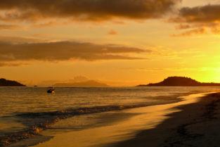Strand von Grand Anse, Praslin, Seychellen