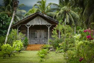 Holzhaus im Urwald, Mahé, Seychellen
