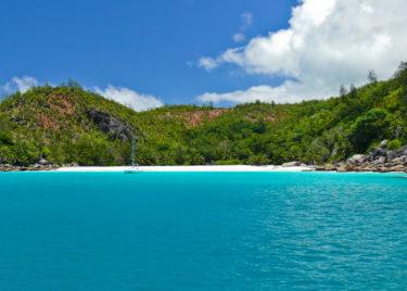 Segler vor Anse Lazio, Praslin, Seychellen