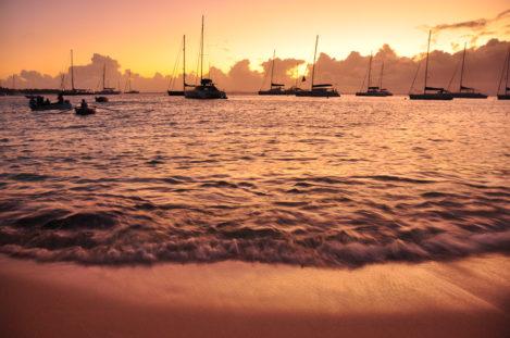 Segelschiffe vor Mustique, St. Vincent & Grenadinen, Karibik