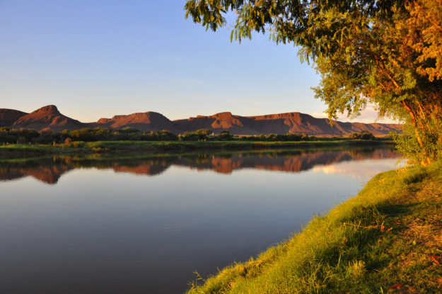 Sonnenuntergang am Orange River, Western Cape, Südafrika