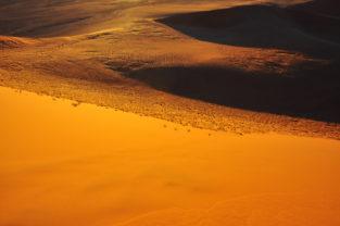 Kunstwerke aus Sand, Sossusvlei, Namib-Naukluft-Nationalpark, Namibia