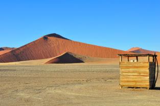 Wüstentoilette, Sossusvlei, Namib-Naukluft-Nationalpark, Namibia