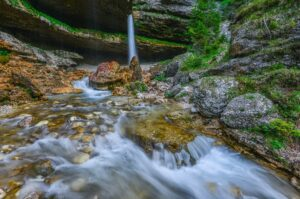 Wasserfall in den Julischen Alpen, Triglav Nationalpark, Slowenien