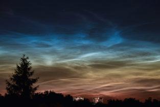 Nachleuchtende Nachtwolken (luminescent clouds) über Deutschland