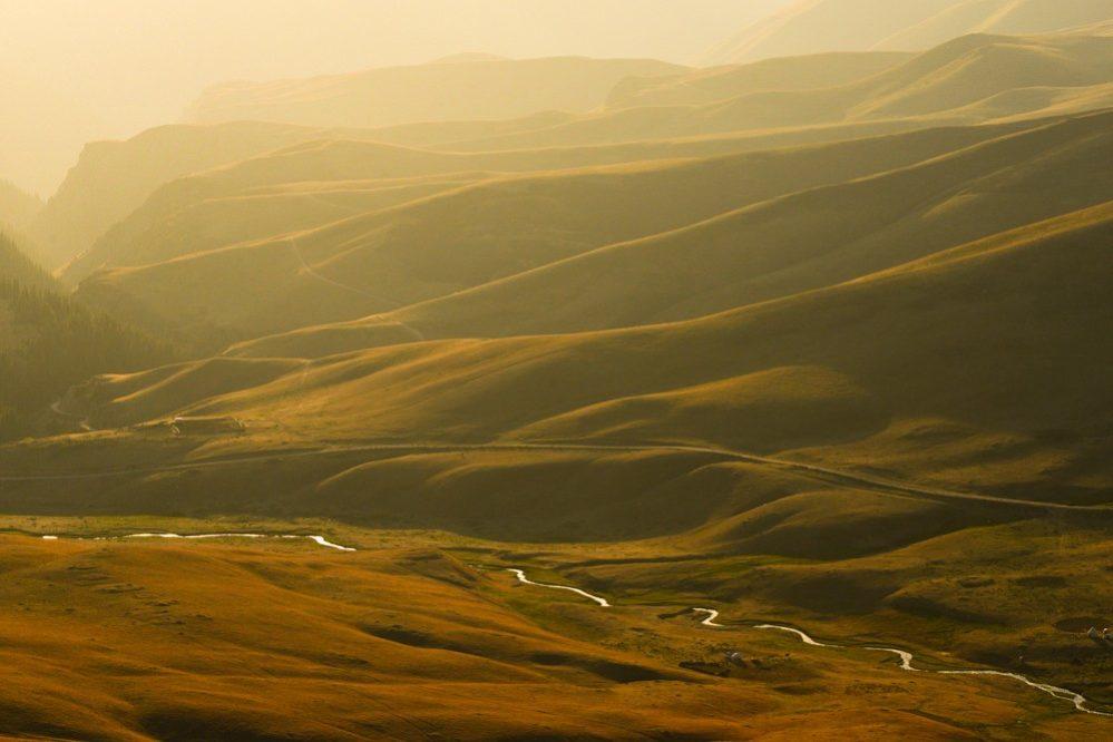 Sonnenuntergang auf Hochplateau, Kasachstan