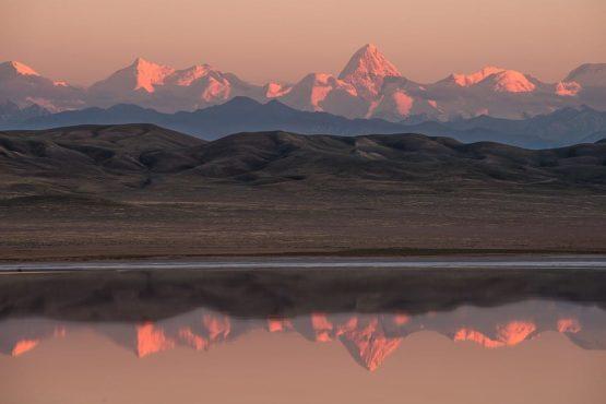Tien Shan Gipfel, u. a. mit Khan Tengri (7010 m) und Peak Pobeda, Kasachstan