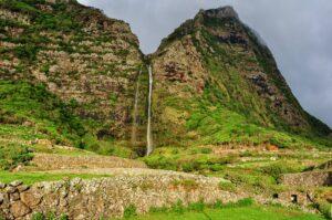 Bergwasserfall, Flores, Azoren, Portugal