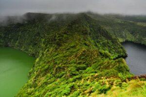 Vulkanseen Lago Negra und Comprida,Flores, Azoren, Portugal