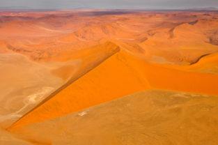 Sterndünen im Sossusvlei, Namib-Naukluft-Nationalpark, Namibia