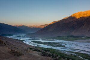 Flusstal, Tadschikistan, Afghanistan