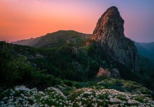 La Gomera, Landschaft mit Roque de Agando, Garajonay, Kanaren