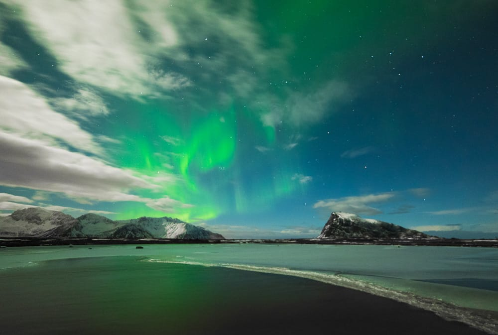 Lofoten | Polarlichter über See, Vestvågøy | Norwegen, Winter, Polarlichter, Nordlichter, Landschaftsfotografie, Bilder, Fotos, Landschaften