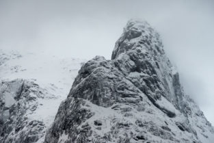 Lofoten 013 | Berge - und Schneelandschaft, Trollfjord im Winter, Norwegen