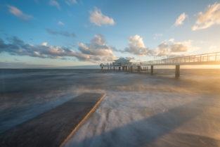 Timmendorfer Strand, Seebrücke an der Ostsee bei Sonnenaufgang, Lübecker Bucht, Ostholstein, Schleswig Holstein, Deutschland