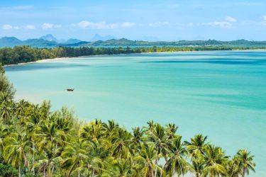 Thailand - Palmenstrand auf Koh Yao Noi