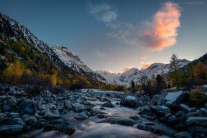 Schweiz - Fluss am Morteratsch Gletscher, Engadin, Graubünden