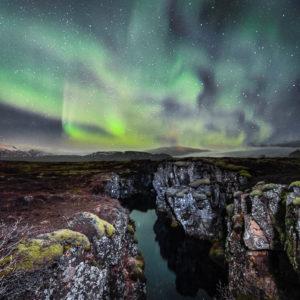 Polarlicht Schlucht Silfra, Nationalpark Thingvellir, Island