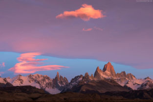Patagonien: Gipfelensemble des Los Glaciares Nationalpark mit Cerro Torre und Fitz Roy, El Chalten, Argentinien