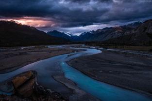 Patagonien: Mäander des Rio de las vueltas, El Chalten, Los Glaciares, Argentinien
