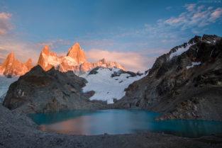 Patagonien: Sonnenaufgang an der Laguna de los Tres mit Fitz Roy, Argentinien