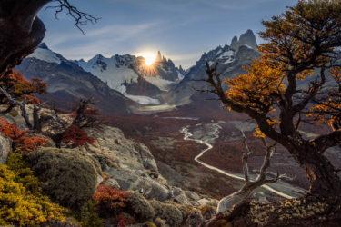 Patagonien Landschaftsfotografie: Herbstlicher Blick zu Lago Torre, Cerro Torre und Fitz Roy, Los Glaciares Nationalpark, Argentinien