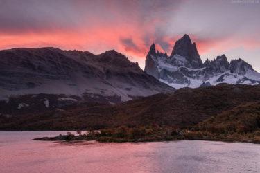 Patagonien: Sonnenuntergang über Laguna Capri und Fitz Roy, Los Glaciares, Argentinien