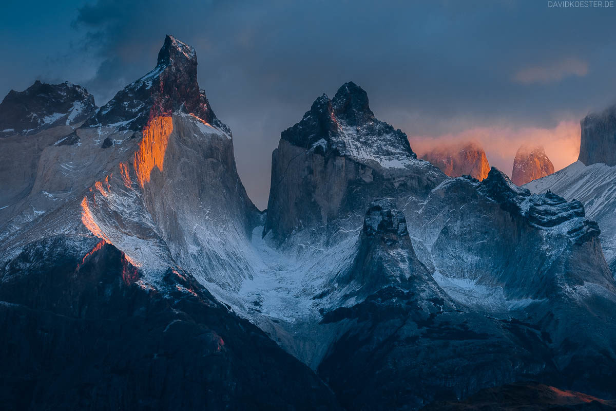 Patagonien Bilder: Landschaft mit Paine Massiv im Torres del Paine Nationalpark, Chile