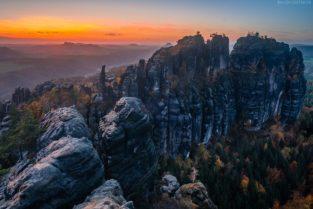 Elbsandsteingebirge: Schrammsteine zu Sonnenuntergang, Sächsische Schweiz