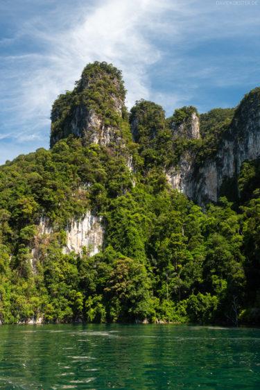 Thailand - Felsenlandschaft im Khao Sok
