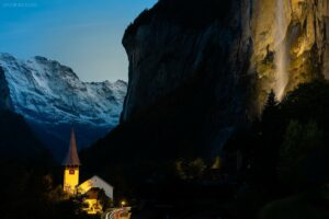 Schweiz - Staubachfall, Kirche und Mönch, Lauterbrunnen